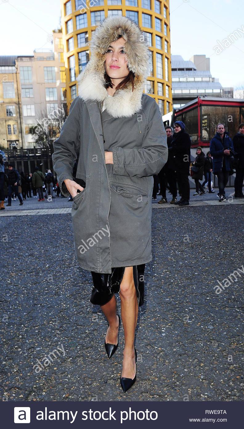 4e853cdd4e 23 Feb 2015 - LONDON - UK ALEXA CHUNG CELEBRITIES ATTEND THE CHRISTOPHER  KANE RUNWAY SHOW