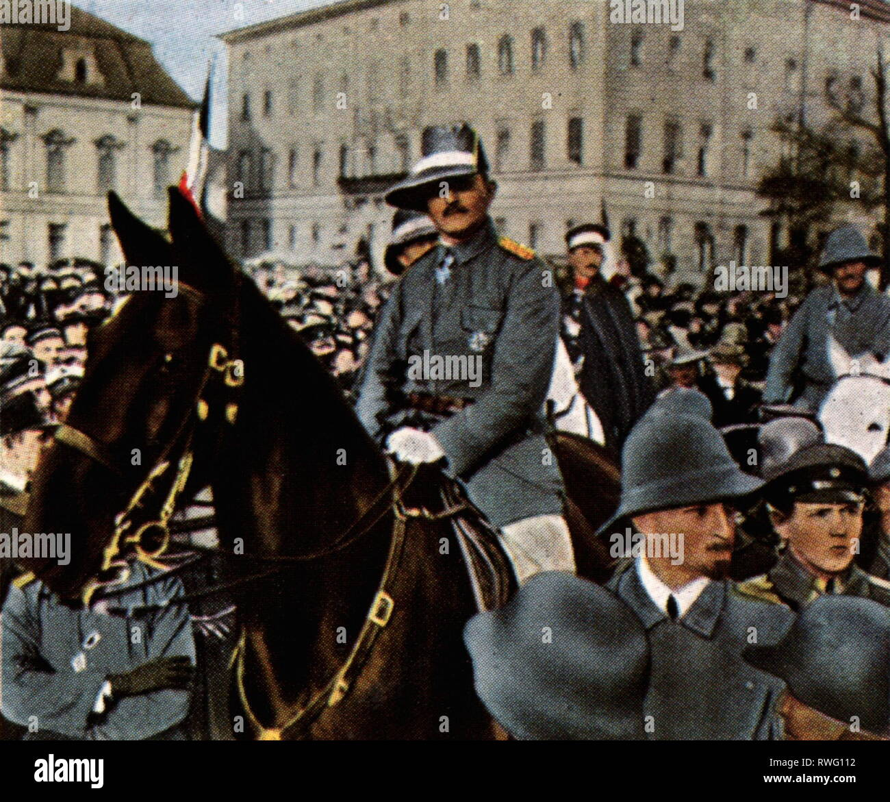 Lettow-Vorbeck, Paul von, 20.3.1870 - 9.3.1964, German general, half length, returning with the remainder of the Schutztruppe (German colonial force) from East Africa, Berlin, 2.3.1919, coloured photograph, cigarette card, series 'Die Nachkriegszeit', 1935, Additional-Rights-Clearance-Info-Not-Available - Stock Image