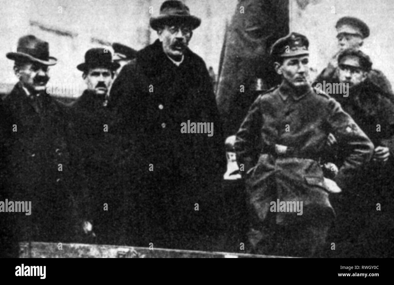 Noske, Gustav, 9.7.1868 - 30.11.1946, German politician (Social Democratic Party of Germany (SPD)), half-length, as People's Deputy for army and navy, delivering speech, January 1919, Additional-Rights-Clearance-Info-Not-Available - Stock Image