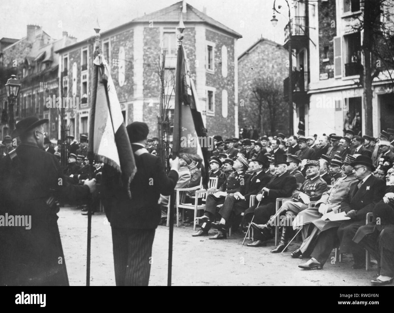 Petain, Henri Philippe, 24.4.1856 - 23.7.1953, French general and politician, half-length, with general Maxime Weygand at the uncovering of the statue of Andre Lefevre, Versailles, 1936, Additional-Rights-Clearance-Info-Not-Available - Stock Image