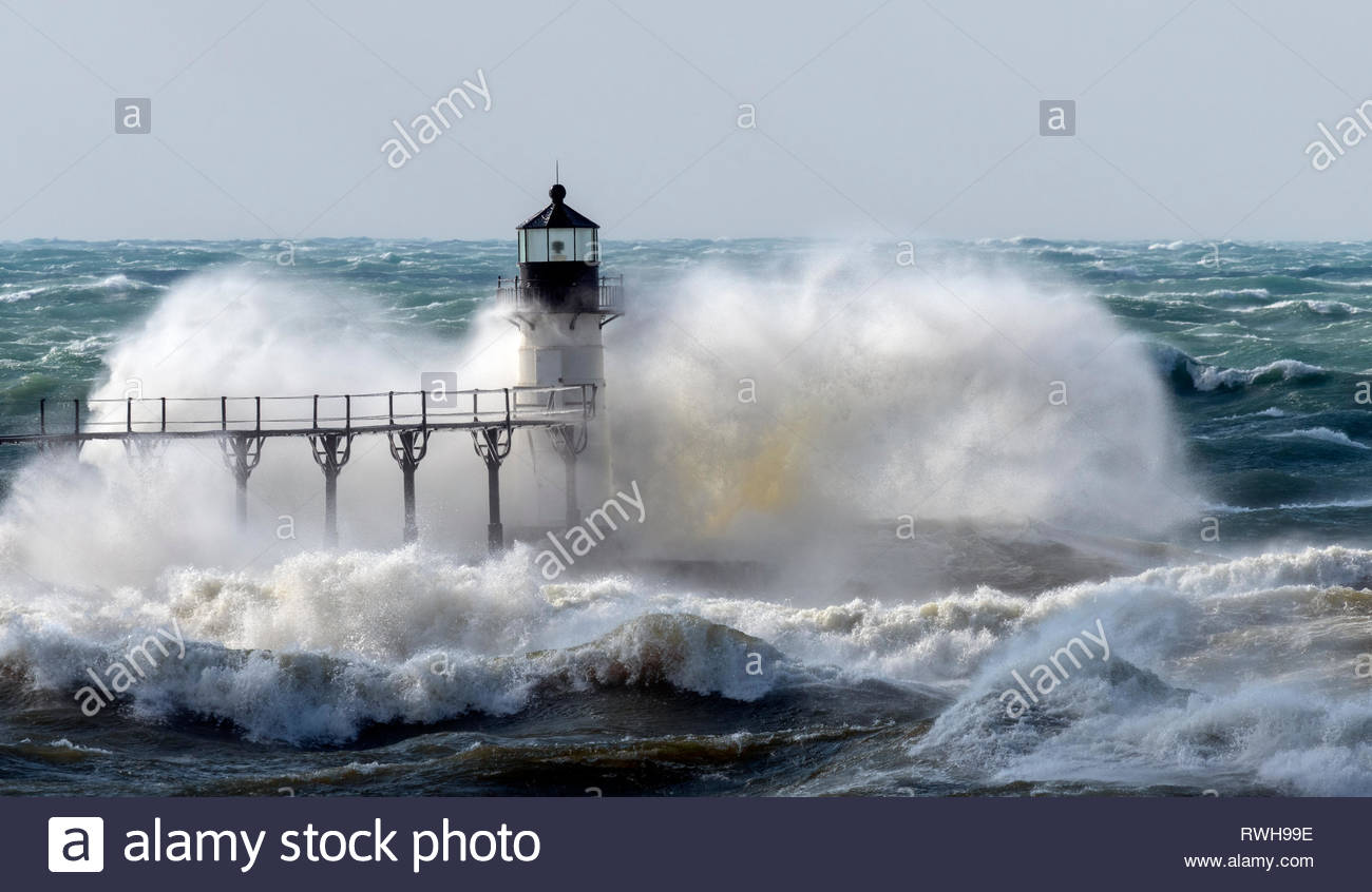 Driven By Winter Wind >> Violent Winds Driven By Winter Storm Quiana Send Large Waves