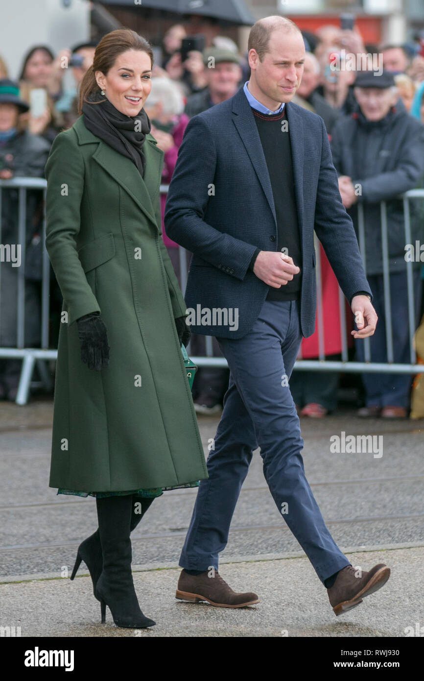 Blackpool, Lancashire, UK. 6th March. 2019. The Duke and Duchess of Cambridge - William and Kate - visit Blackpool to learn about how the resort is tackling social and mental health problems faced by people in Britain today.  The couple greeted crowds gathered on the Comedy Carpet following a visit to the resorts tower attractions. Credit: MWI/AlamyLiveNews - Stock Image