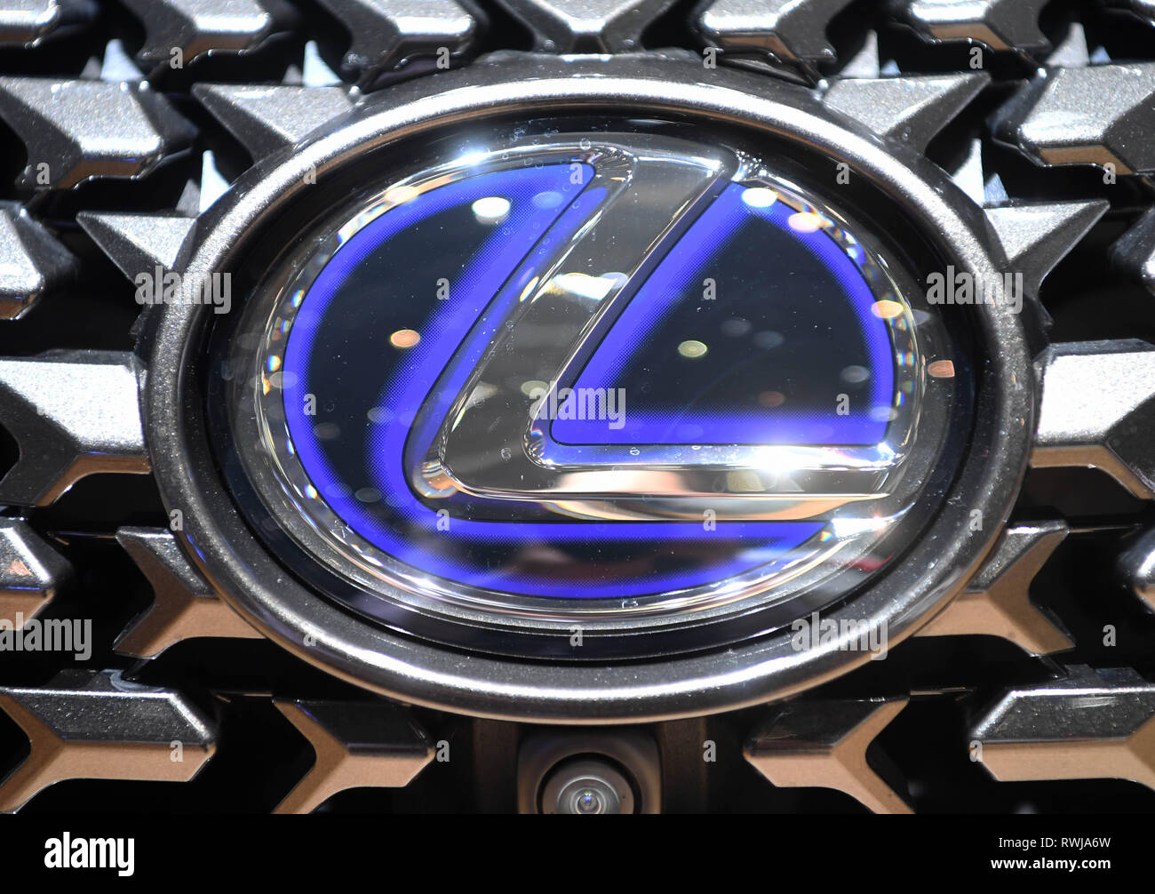 Genf, Switzerland. 06th Mar, 2019. A Lexus logo, taken on the second press day. The 89th Geneva Motor Show starts on 7 March and lasts until 17 March. Credit: Uli Deck/dpa/Alamy Live News Stock Photo