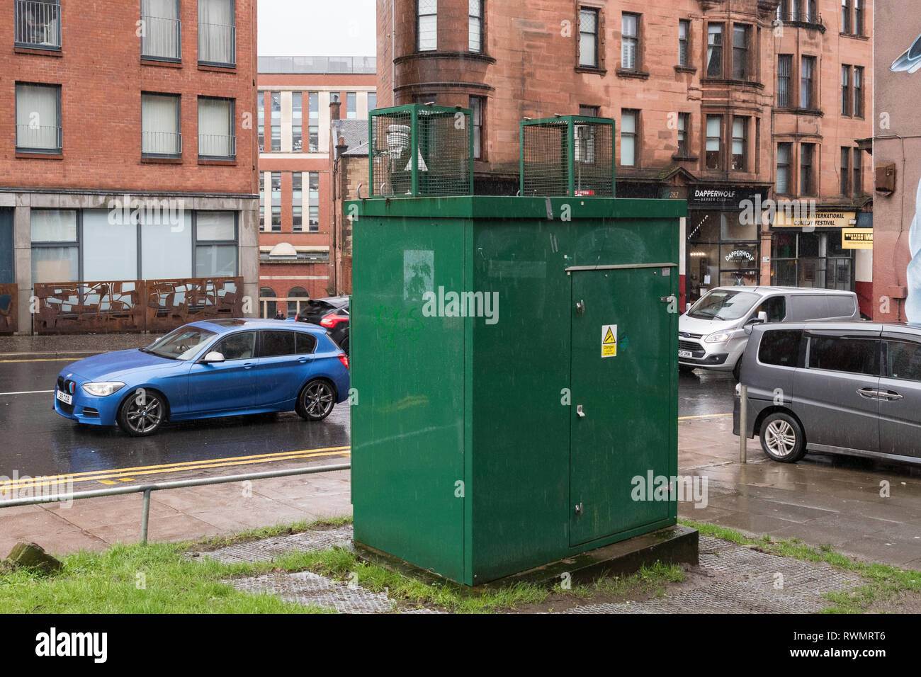 Air quality roadside monitoring box on High Street, Glasgow, Scotland, UK - Stock Image
