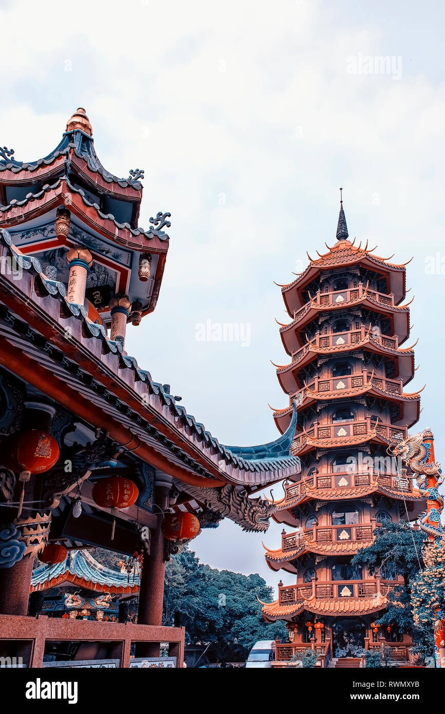 Che Chin Khor Chinese style Temple and Pagoda in Bangkok, Thailand Stock Photo
