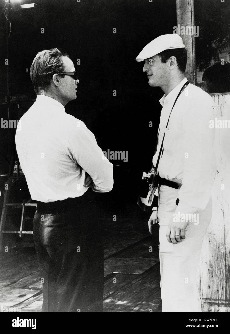 6e612e74 Paul Newman, Marlon Brando, on the set of Brando's film