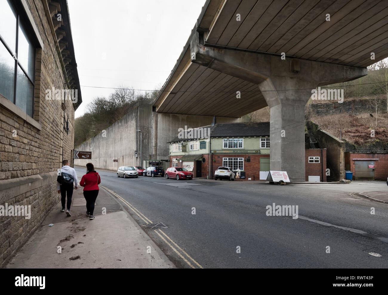 The Dean Clough public house situated under the A629 road flyover, Halifax, West Yorkshire - Stock Image