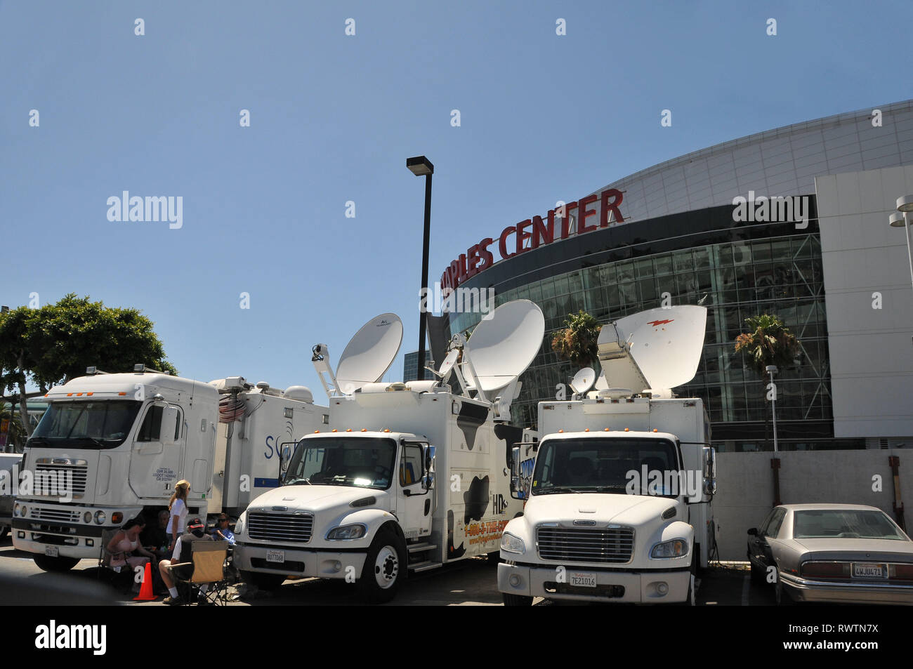 Staples Truck High Resolution Stock Photography And Images Alamy