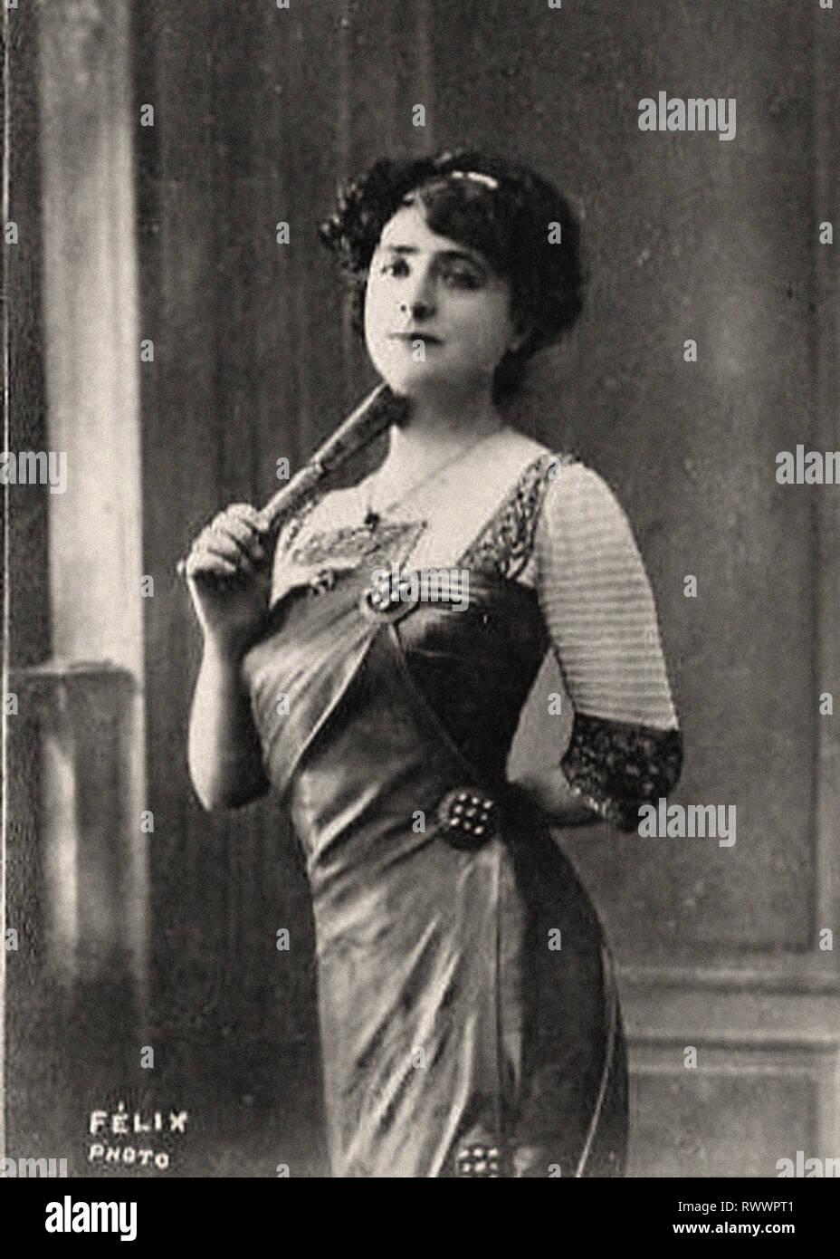 Photographic portrait of Yahne, Léonie - Stock Image