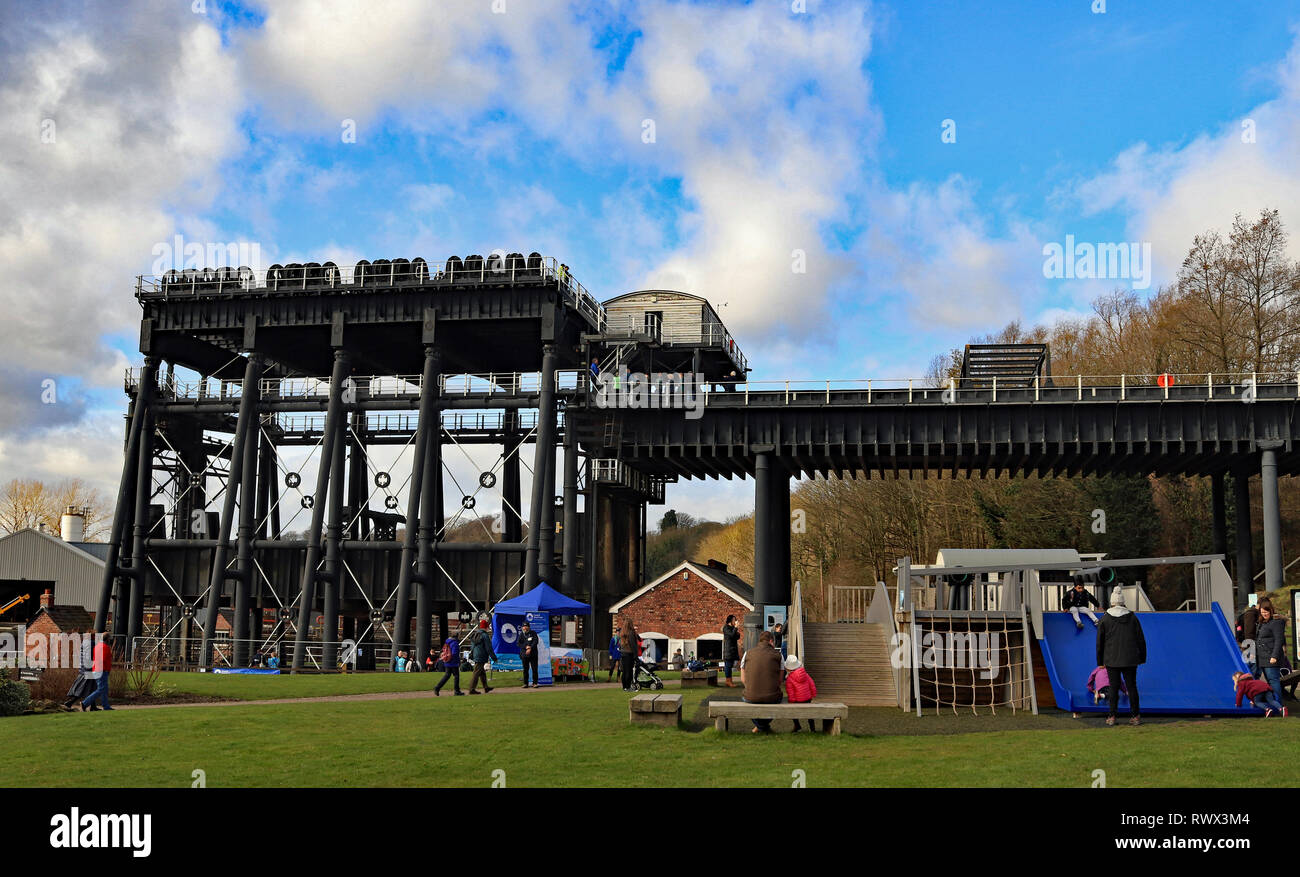 The Anderton boat lift with children playing in the grounds. Cw  6619 - Stock Image