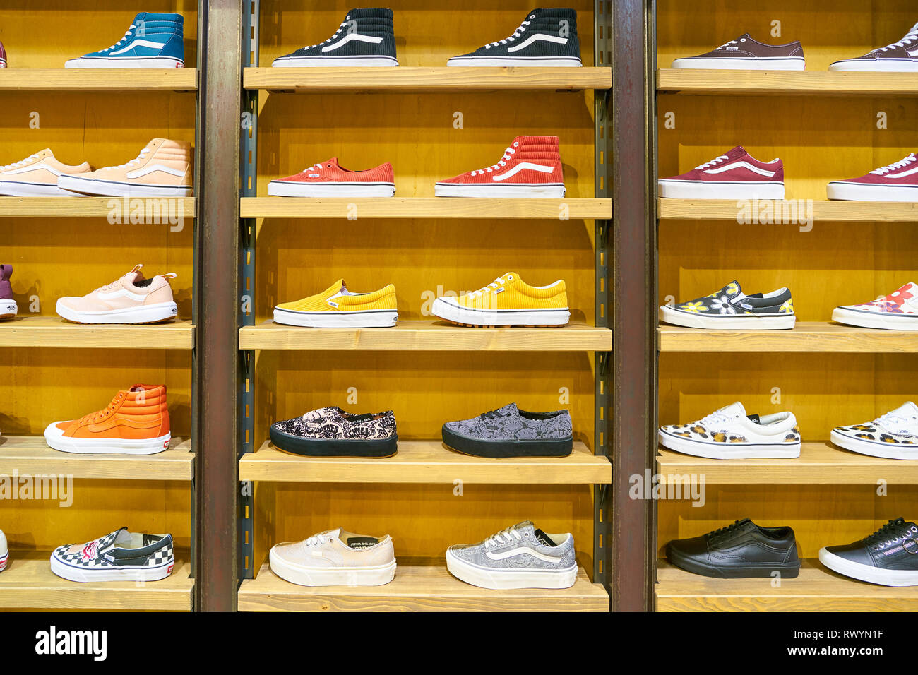 Get - vans westgate mall - OFF 65