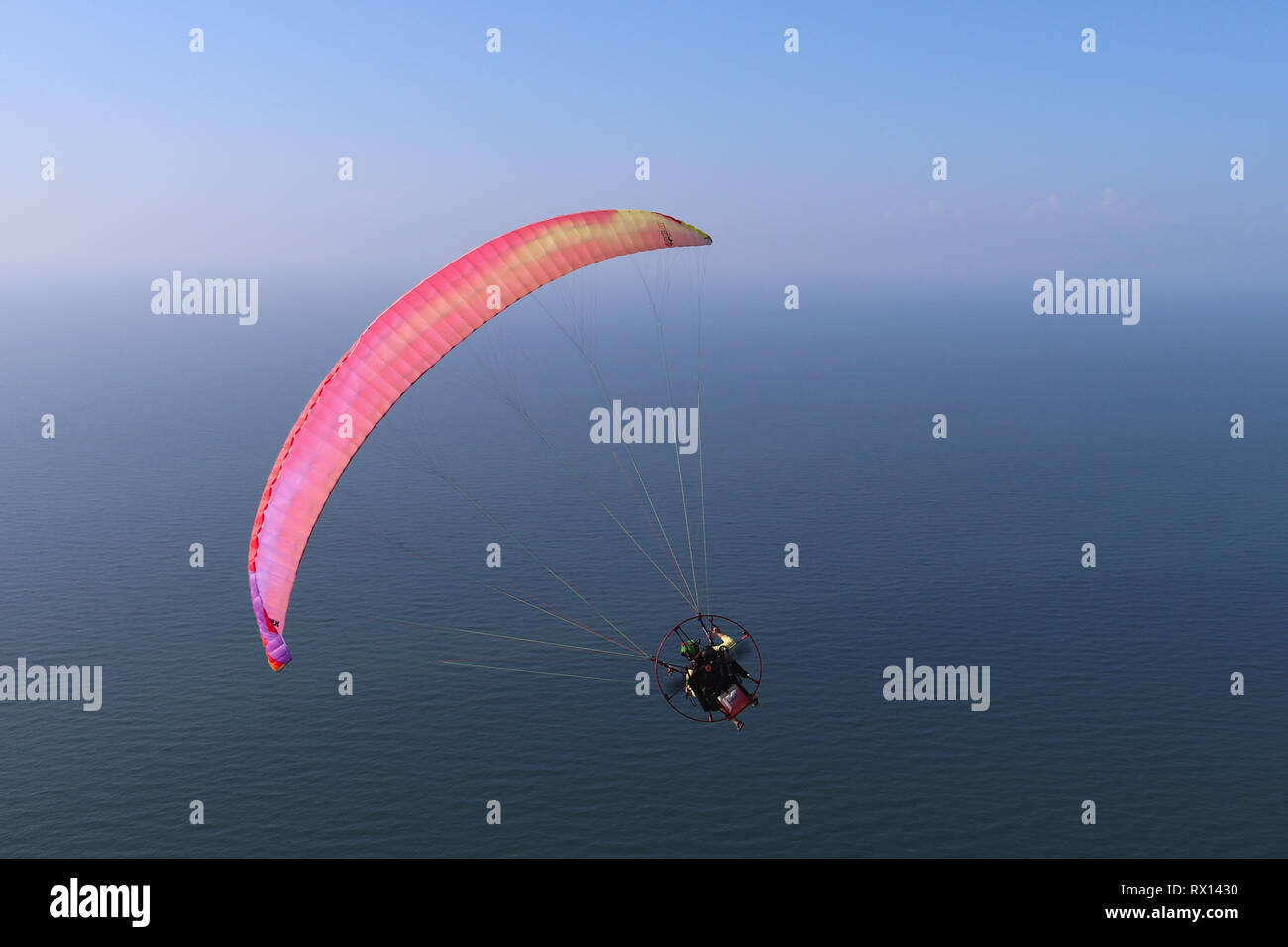 Powered Paraglider Stock Photos & Powered Paraglider Stock Images