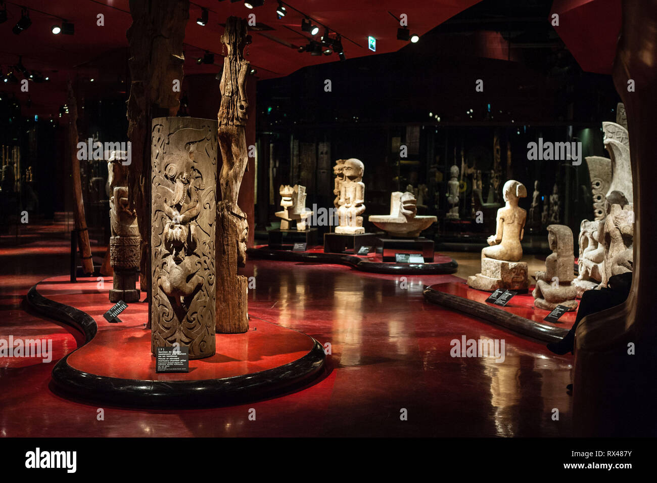 Paris (France): Musee des arts premiers du Quai Branly, museum featuring the indigenous art and cultures of Africa, Asia, Oceania, and the Americas. - Stock Image