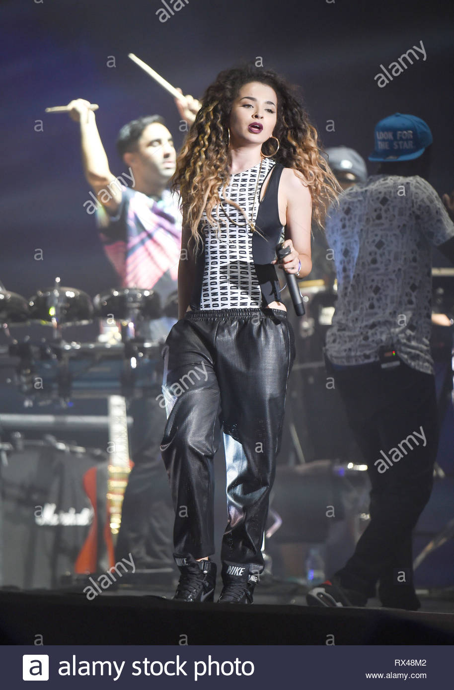 c35dc7b8b 4 Jul 2014 - BIRMINGHAM - UK ELLA EYRE JOINS RUDIMENTAL ON STAGE AT  WIRELESS FESTIVAL BIRMINGHAM BYLINE MUST READ   XPOSUREPHOTOS.