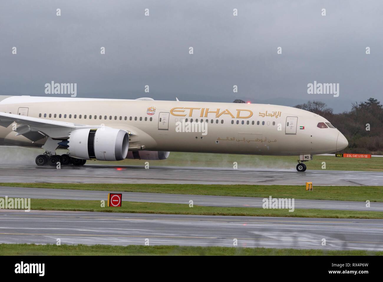 Etihad airlines Boeing Dreamliner. - Stock Image