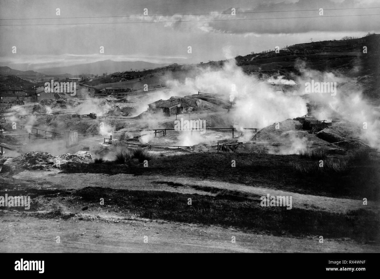italy, tuscany, fumaroles of boric acid at pomarance, 1910-20 - Stock Image