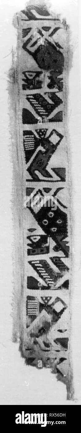 Fragment (Band). Possibly provincial Wari; Possibly central coast, Peru. Date: 800 AD-1000. Dimensions: 26.7 x 3.8 cm  (10 1/2 x 1 1/2 in.). Slit tapestry. Origin: Peru. Museum: The Chicago Art Institute. - Stock Image