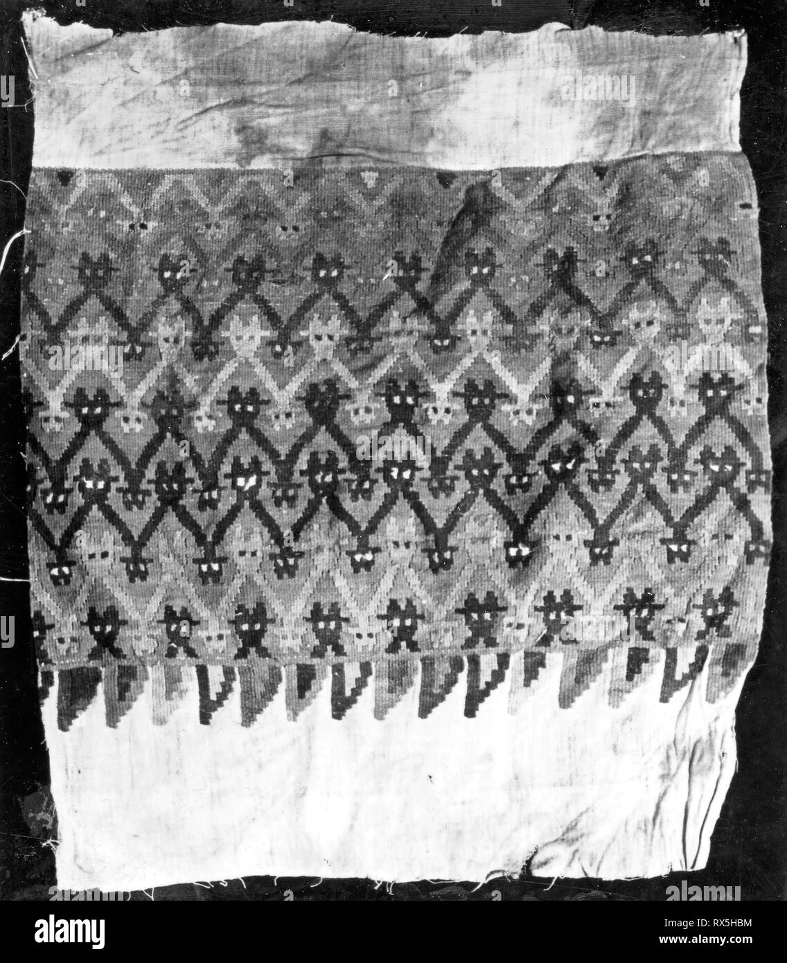 Fragment. Possibly south-central coast, Peru. Date: 1000-1476. Dimensions: 36.2 x 40.6 cm (14 1/4 x 16 in.). Slit tapestry weave. Origin: Peru. Museum: The Chicago Art Institute. - Stock Image
