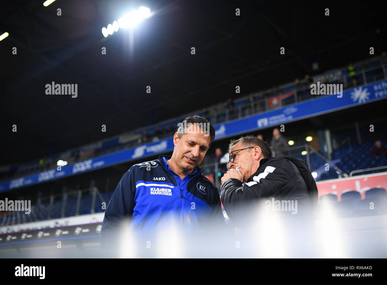 Coach Alois Schwartz (KSC, l.) with coach Norbert Maier (KFC Uerdingen 05, r.). GES / football / 3rd league: Krefelder football club Uerdingen - Karlsruher SC, 08.03.2019 Football / Soccer: 3rd League: KFC Uerdingen vs Karlsruher SC, Duisburg, March 8, 2019 | usage worldwide - Stock Image