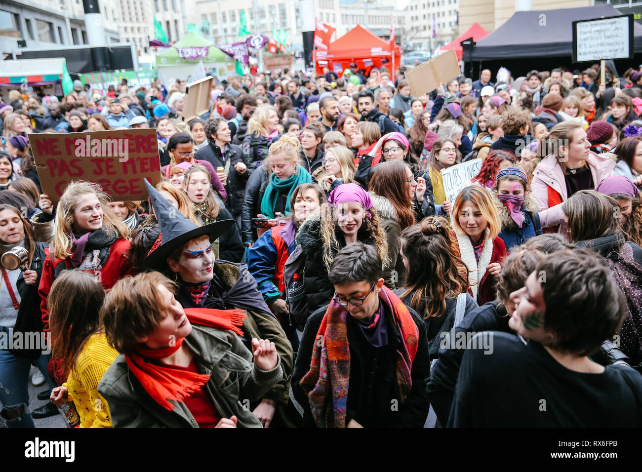 Brussels, Belgium. 8th Mar, 2019. People take part in a women's strike in Brussels, Belgium, March 8, 2019. Thousands of women went on strike across Belgium on International Women's Day to campaign for women's rights and gender equality, local media reported. Credit: Zhang Cheng/Xinhua/Alamy Live News Stock Photo