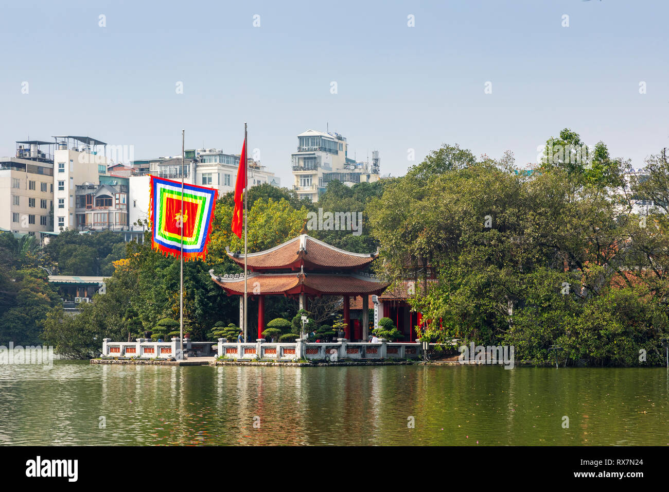 Ho Hoan Kiem lake from the Old Quarter to the Temple of the Jade Mountain (Den Ngoc Son). Old Quarter, Hanoi, Vietnam - Stock Image