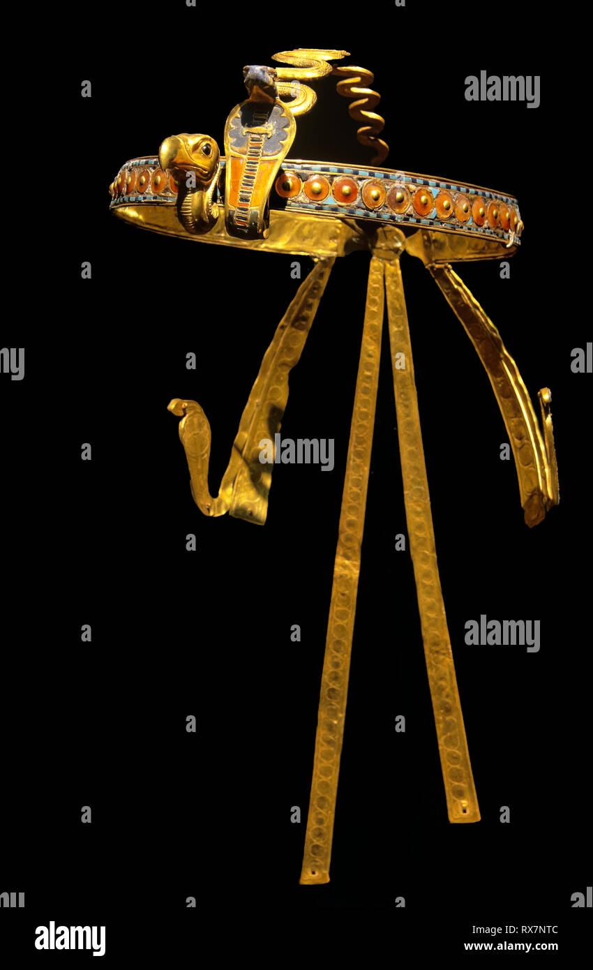 Diadem. Tutankhamun's treasure. Museum of Egyptian Antiquities. Cairo. Egypt. Africa - Stock Image