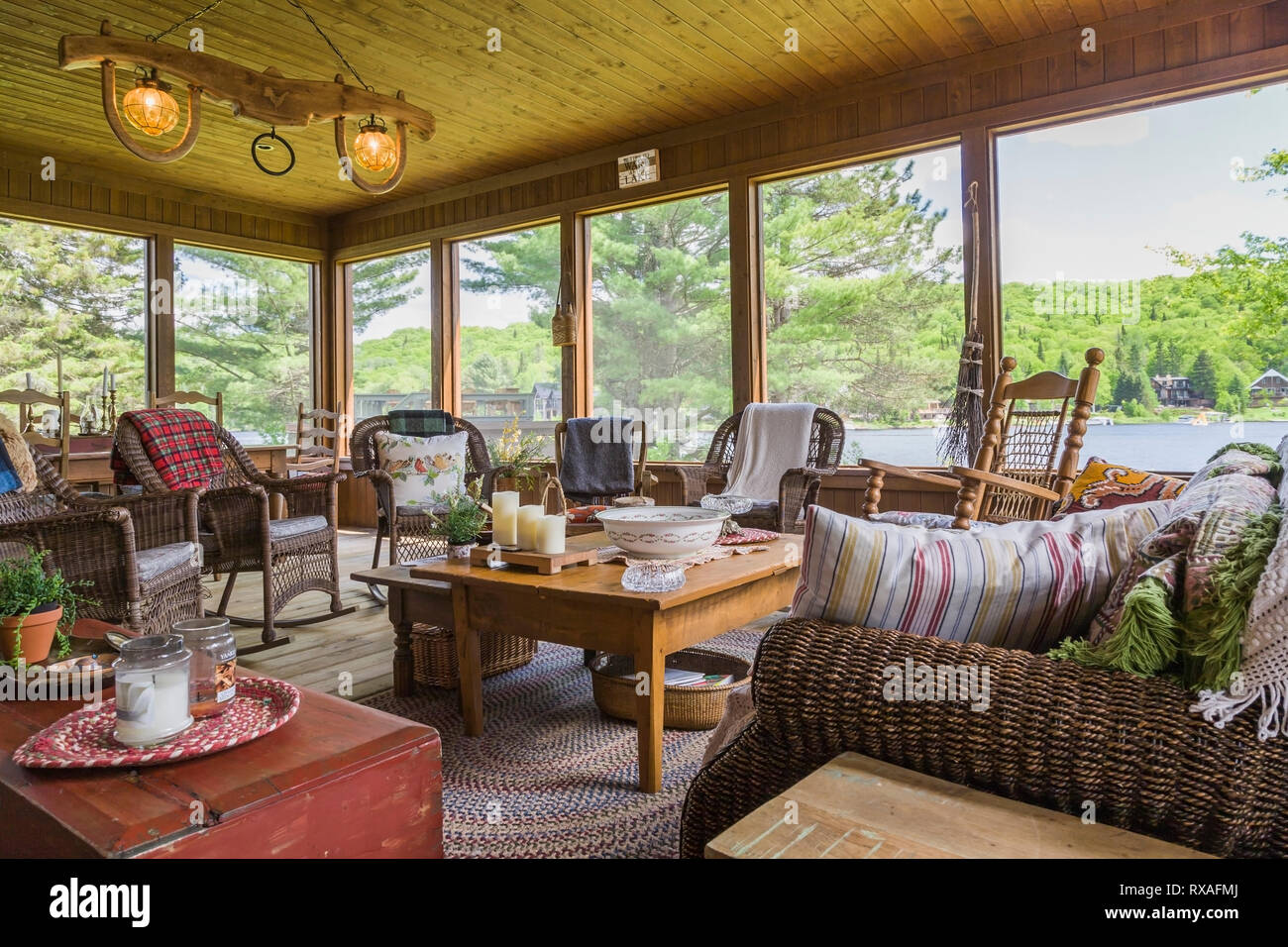 Table Sunroom High Resolution Stock Photography And Images Alamy