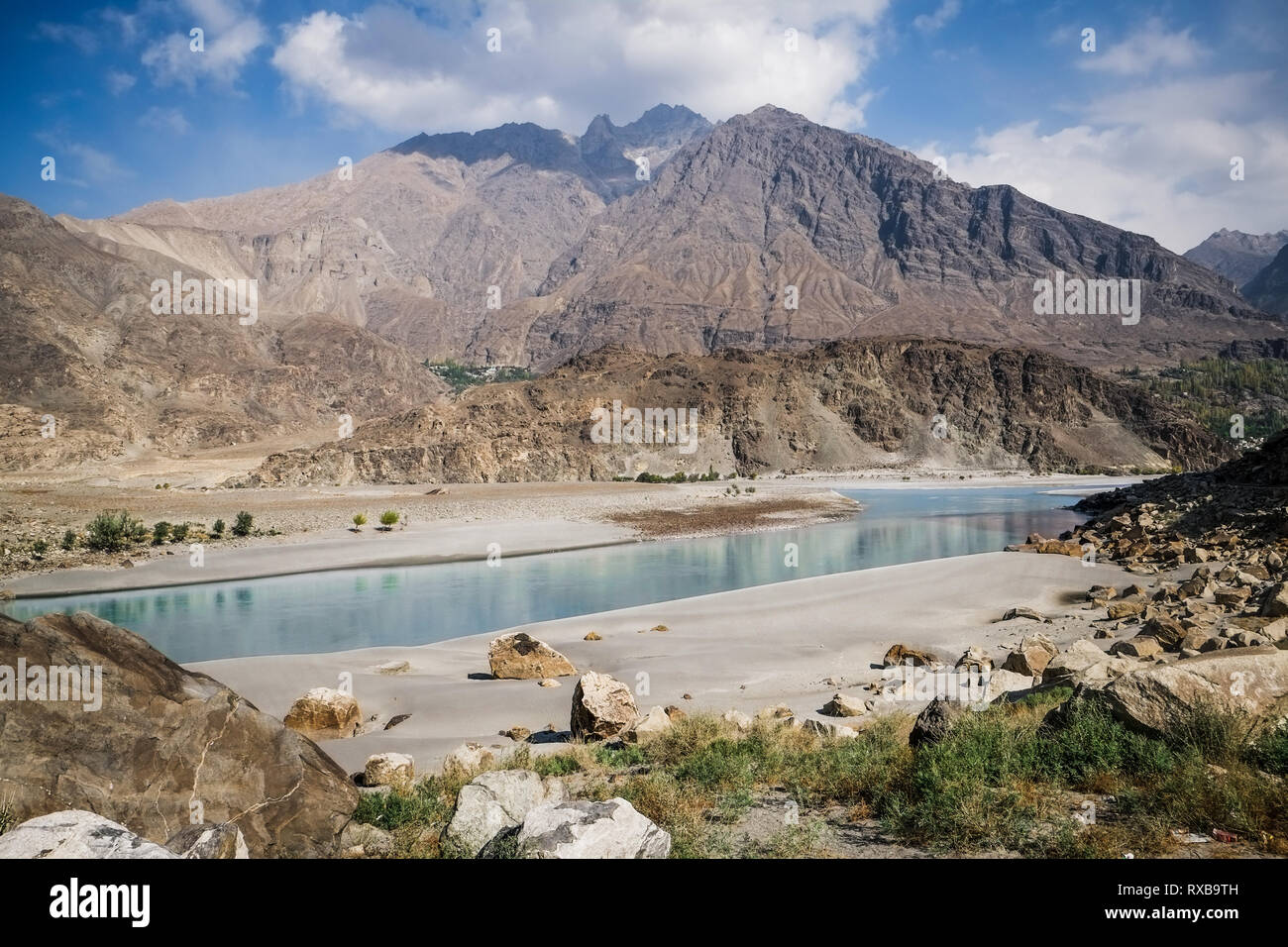 Nature landscape view of mountains and clear water of river at Ghanche district. Gilgit Baltistan, Pakistan. - Stock Image