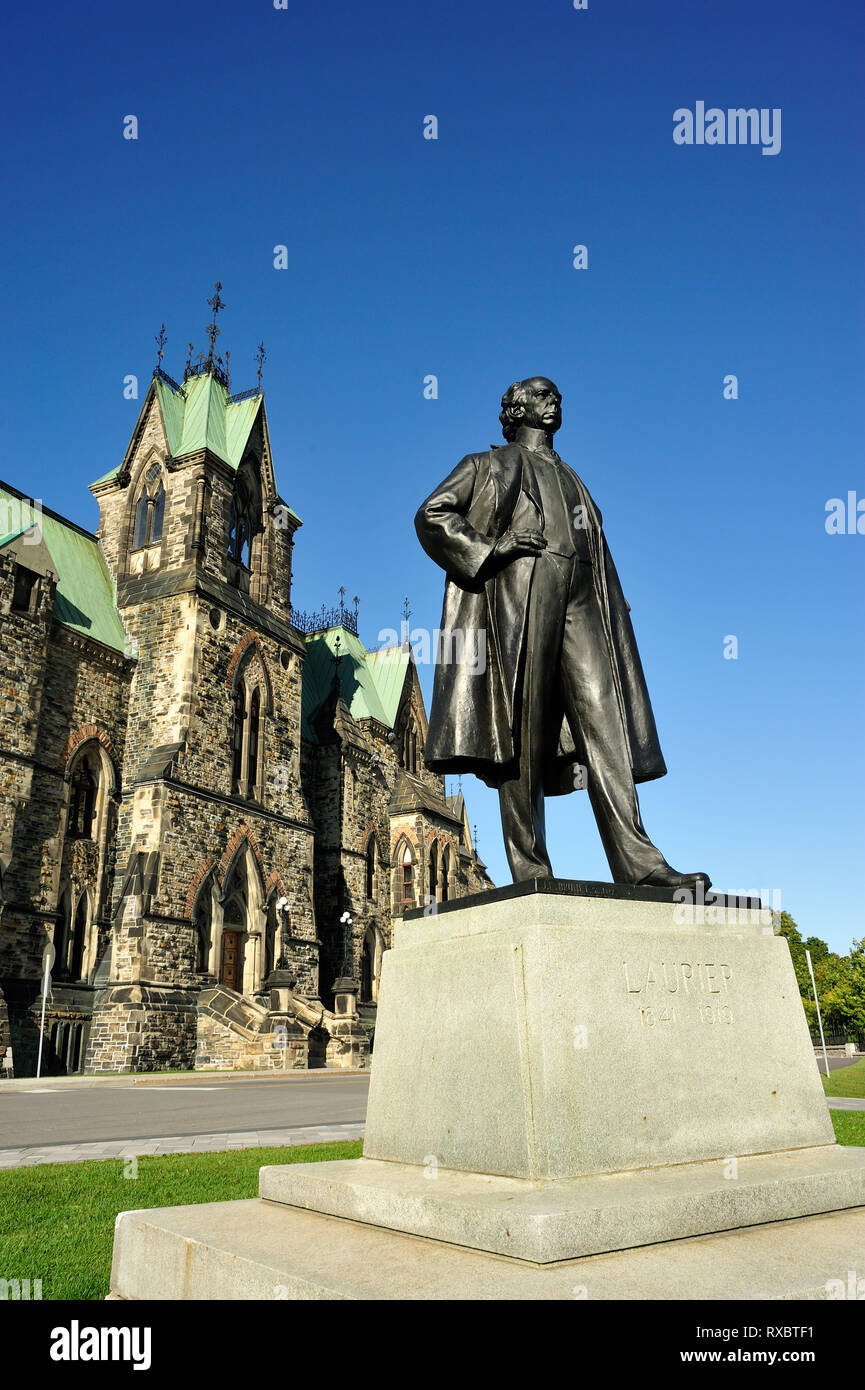 Sir Wilfred Laurier monument, Parliament Buidings, Ottawa, Ontario, Canada - Stock Image