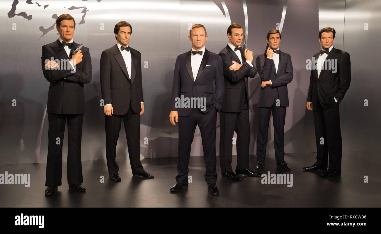 Life Like Models Of All The James Bond Actors On Display At