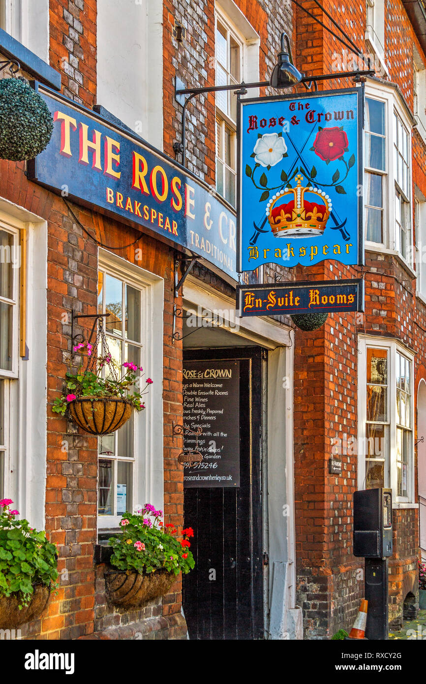 Rose and Crown Public House, Henley On Thames, Oxfordshire, UK Stock Photo