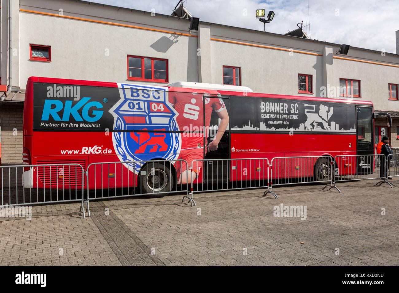 sports, football, Regional League West, 2018/2019, Rot Weiss Oberhausen vs Bonner SC 01/04 4-0, Stadium Niederrhein in Oberhausen, team bus of Bonn - Stock Image