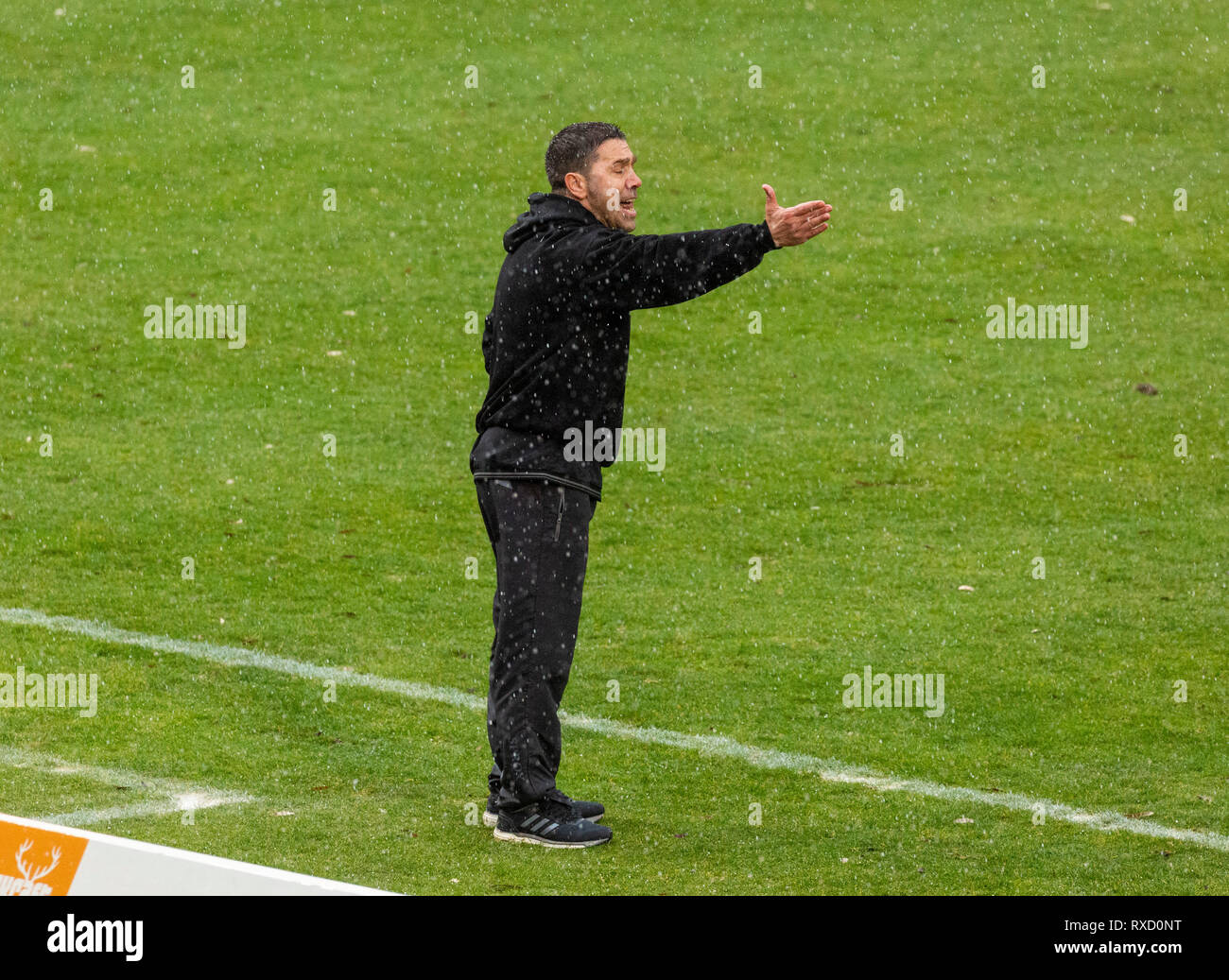 sports, football, Regional League West, 2018/2019, Rot Weiss Oberhausen vs Bonner SC 01/04 4-0, Stadium Niederrhein in Oberhausen, head coach Mike Terranova (RWO) Stock Photo