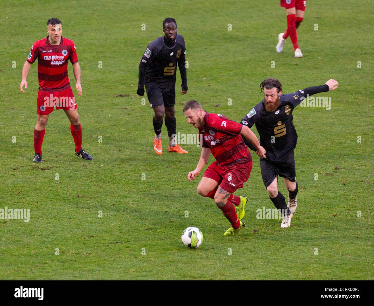 sports, football, Regional League West, 2018/2019, Rot Weiss Oberhausen vs Bonner SC 01/04 4-0, Stadium Niederrhein in Oberhausen, scene of the match, f.l.t.r. Christian Maerz (RWO), Daniel Somuah (Bonn), Dario Schumacher (RWO), Markus Wipperfuerth (Bonn) Stock Photo