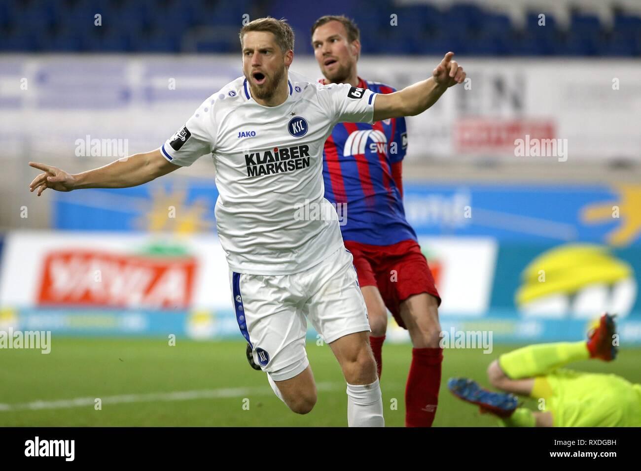 firo: 08.03.2019 Football, 3. Bundesliga, season 2018/2019 KFC Uerdingen 05 - Karlsruher SC Marc Lorenz (# 7, Karlsruher SC) goaljubel, jubilation, joy, after his goal to 0: 1 | usage worldwide - Stock Image