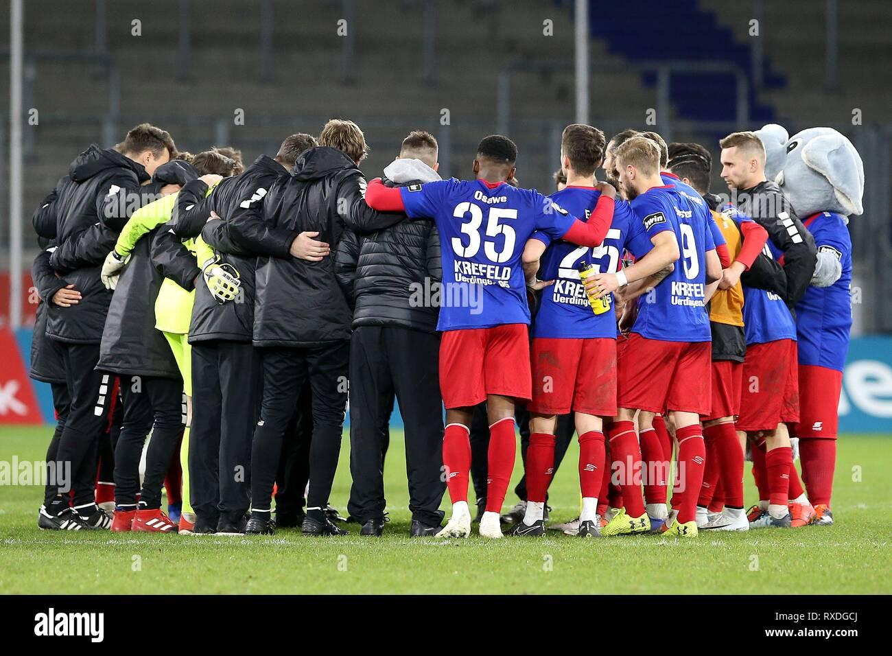 firo: 08.03.2019 Football, 3rd Bundesliga, season 2018/2019 KFC Uerdingen 05 - Karlsruher SC The Uerdinger make the final round. | usage worldwide - Stock Image