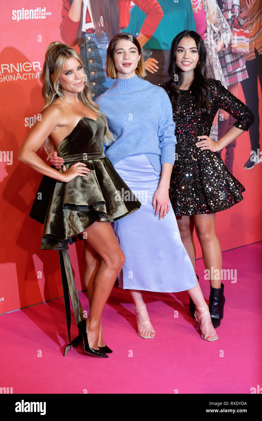 Cologne Germany 09th March 2019 The Actresses Sylvie Meis Lisa Marie Koroll And Selina Mour L R Come To The German Premiere Of The Movie Misfit The Film Starts On 14 03 2019 In The Cinemas