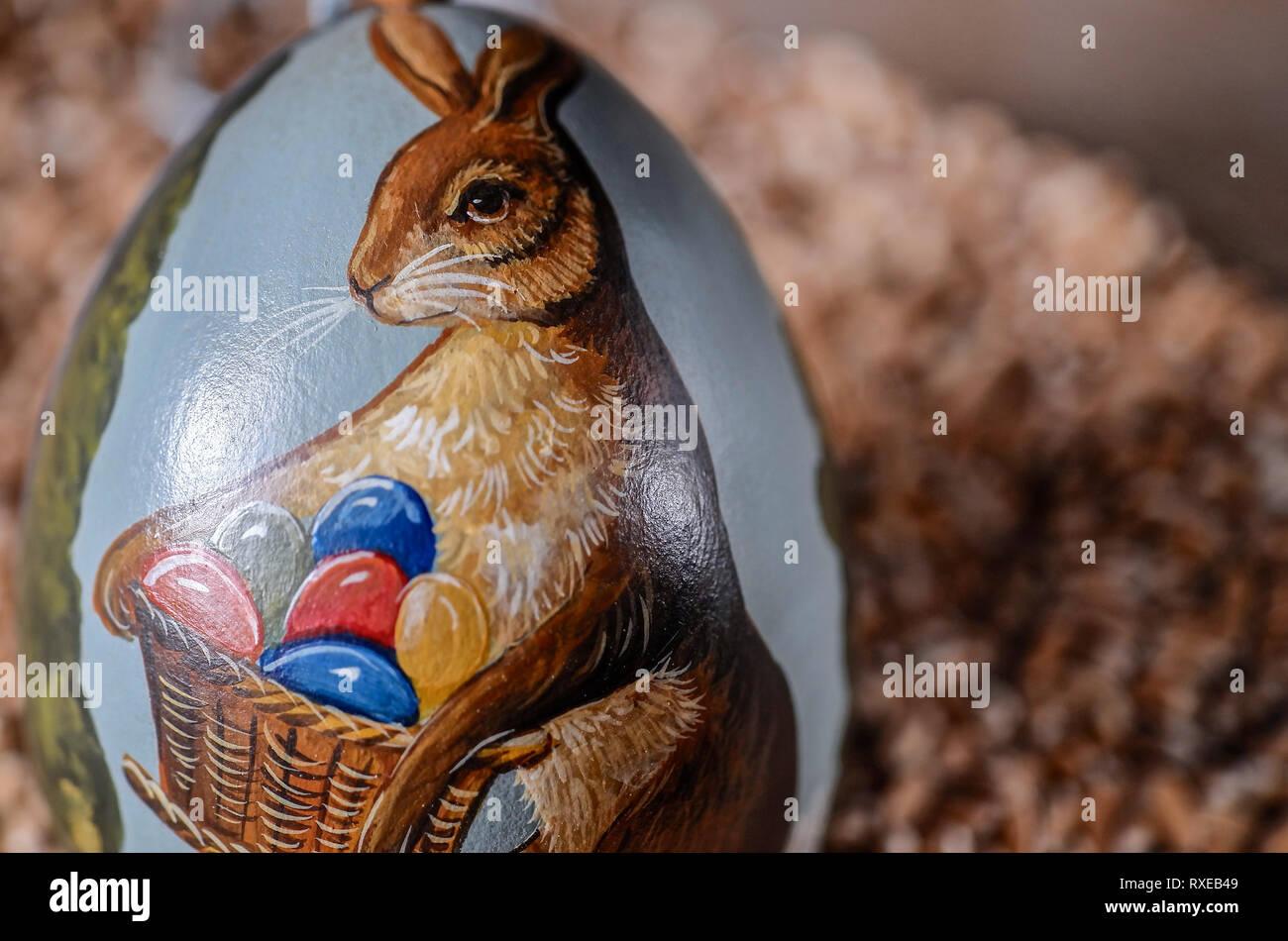 Bemalte Ostereier Deko - painted easter eggs deco - Stock Image