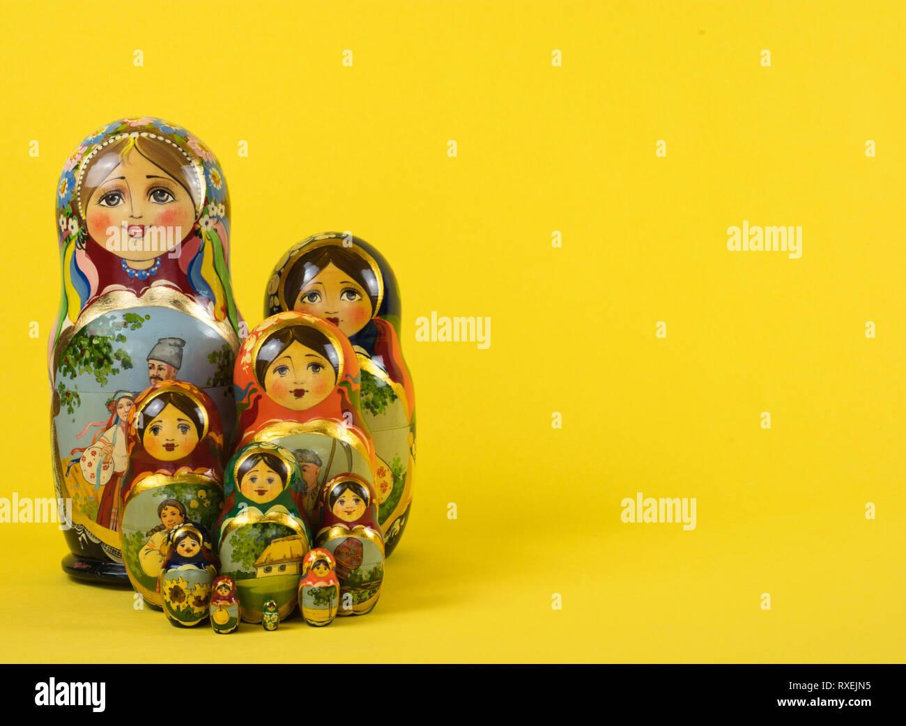 Russische Puppen Matrjoschka, 10 Stück Stock Photo