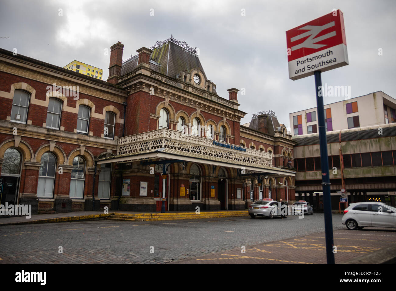 Portsmouth and Southsea train station front - Stock Image