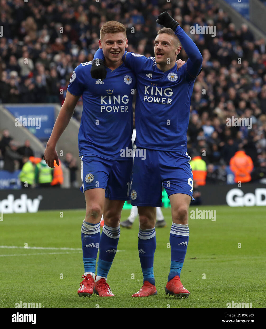 Leicester City's Jamie Vardy (right) celebrates scoring his side's third  goal of the game during Leicester City's Harvey Barnes the Premier League  match at the King Power Stadium, Leicester Stock Photo -