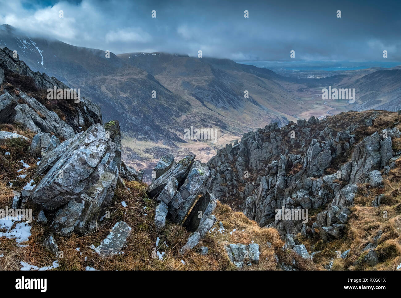 The Glyderau Mountains & Nant Ffrancon Valley from Y Gribin, Snowdonia National Park, North Wales, UK - Stock Image