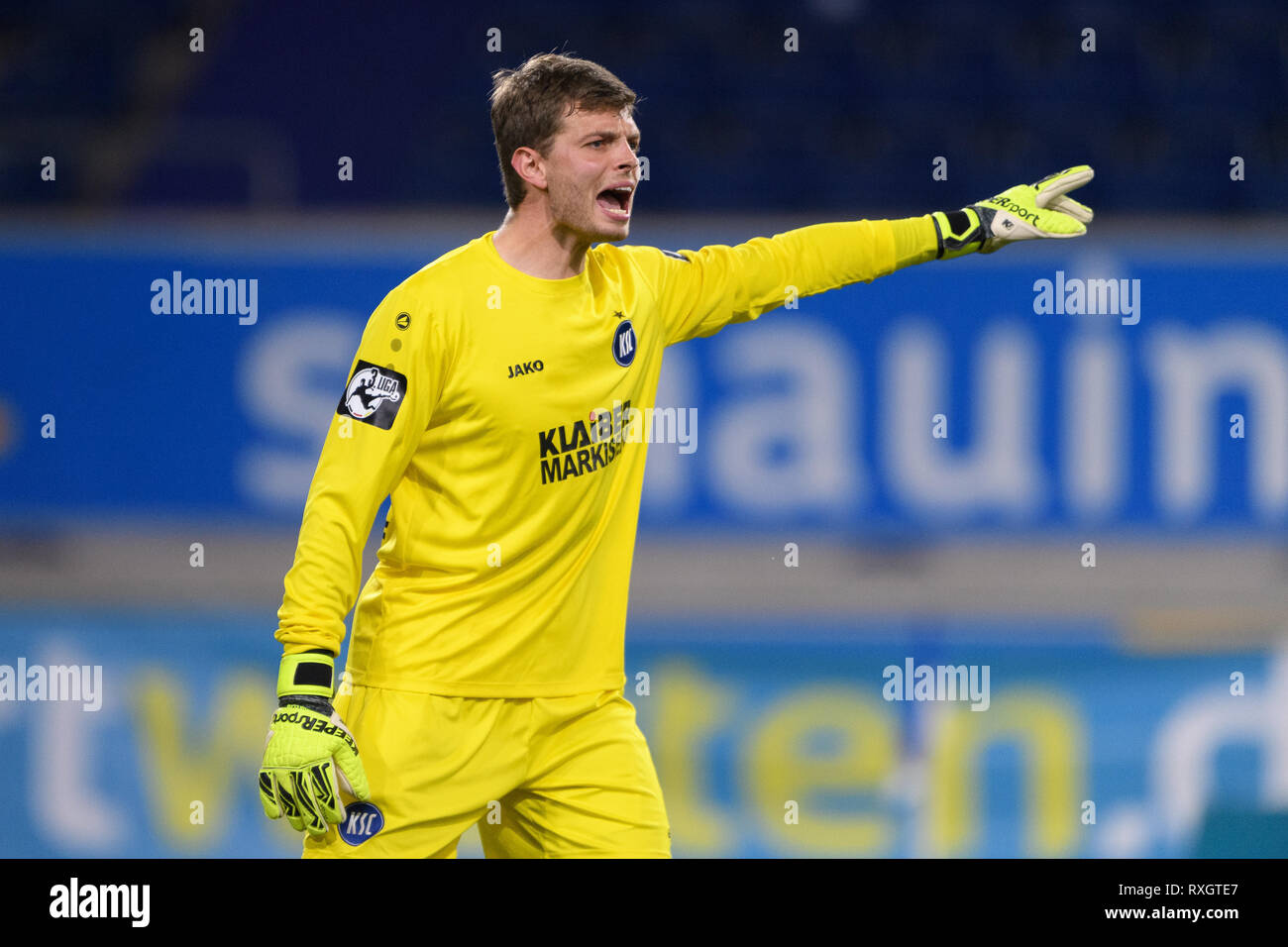 Duisburg, Deutschland. 08th Mar, 2019. goalkeeper Benjamin Uphoff (KSC). GES/football/3rd league: Krefelder football club Uerdingen - Karlsruher SC, 08.03.2019 Football/Soccer: 3rd League: KFC Uerdingen vs Karlsruher SC, Duisburg, March 8, 2019 | usage worldwide Credit: dpa/Alamy Live News - Stock Image