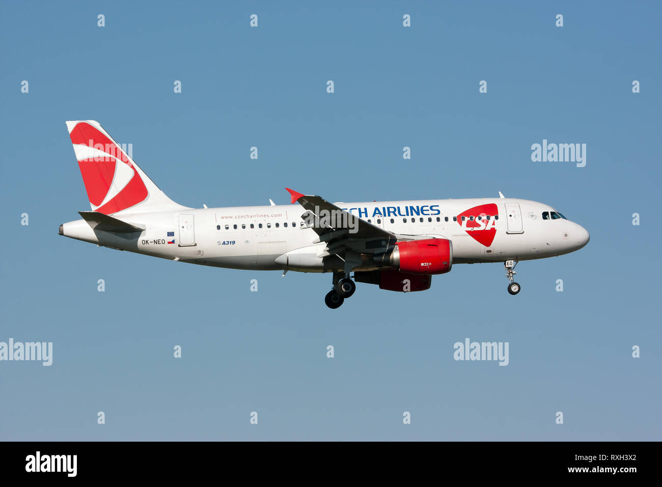 Rome, Italy. 6th July, 2014. A CSA Czech Airlines Airbus 319 seen landing at Rome Fiumicino airport. Credit: Fabrizio Gandolfo/SOPA Images/ZUMA Wire/Alamy Live News - Stock Image