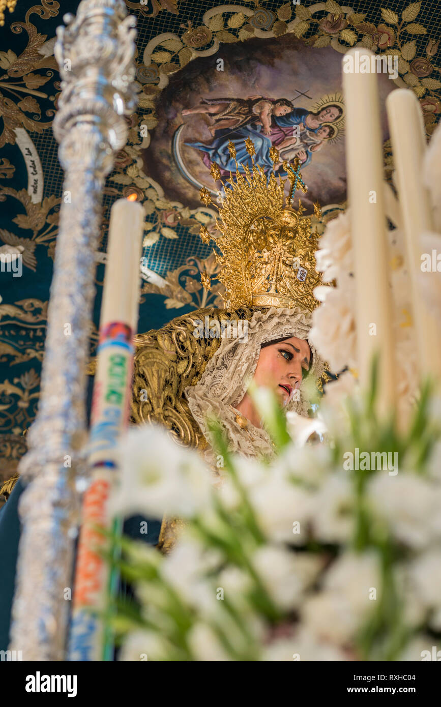 Float of pallium of the brotherhood of La Sed leaving in procession of his church - Stock Image