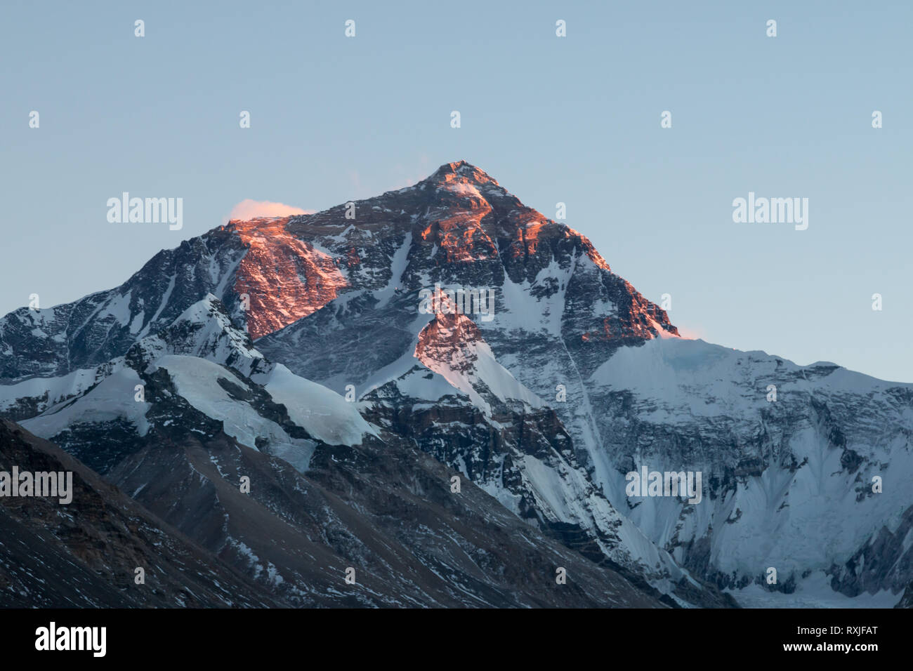 View of Mountain Everest, the highest peak on Earth, at sunset. Viewed from the north (Tibet) side. - Stock Image