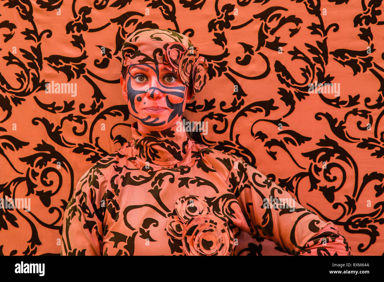 Body Paint Camouflage High Resolution Stock Photography And Images Alamy