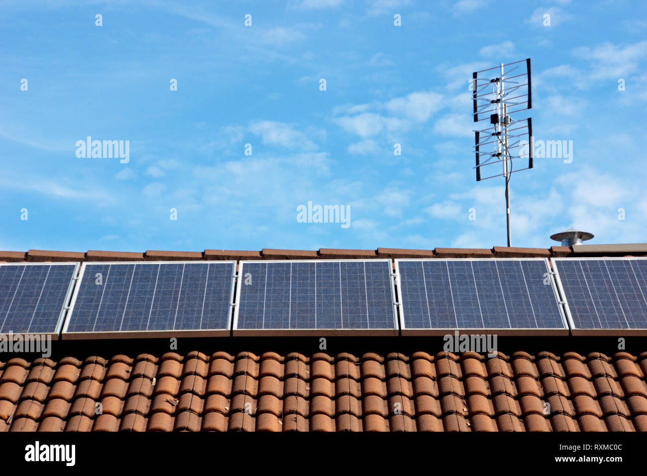 Photovoltaic cell, solar panel roof display, an alternative energy, sustainable resource, in Victoria, Australia. - Stock Image