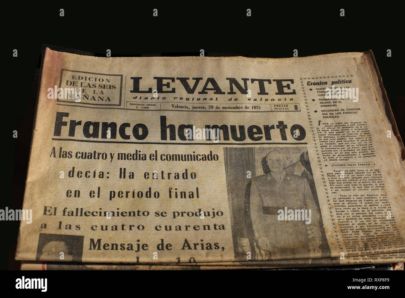Old Spanish newspaper of 1975 with headline saying 'Franco has died'. Fascist dictator Franco died on November 20, 1975 after a dictatorship starting  - Stock Image