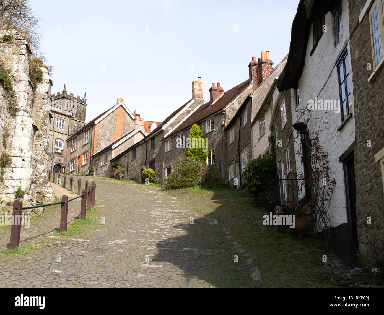 Gold hill ('Hovis' hill), Shaftesbury, Dorset, UK - Stock Image